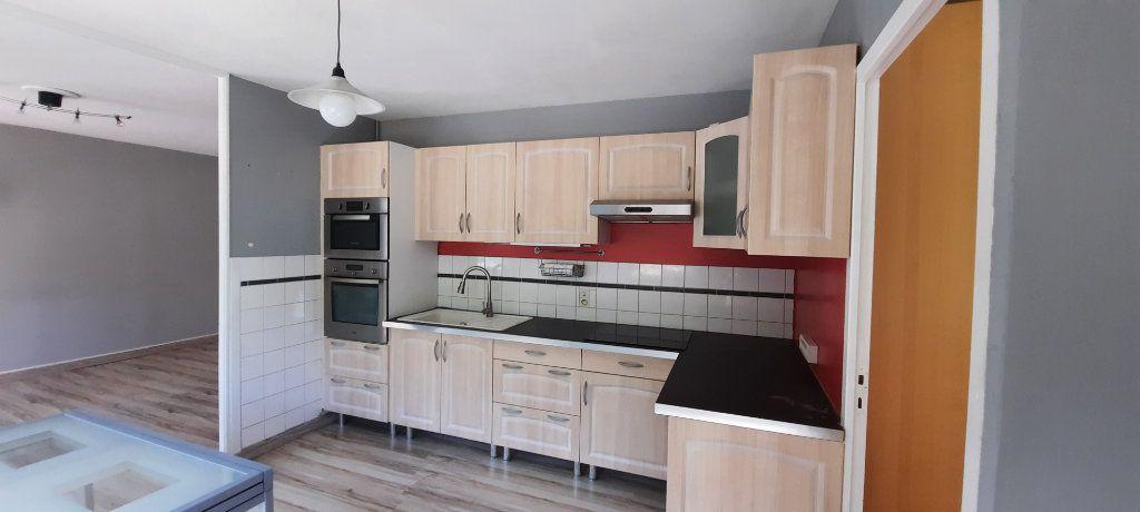 Appartement à louer 3 61.65m2 à Sainte-Foy-lès-Lyon vignette-2