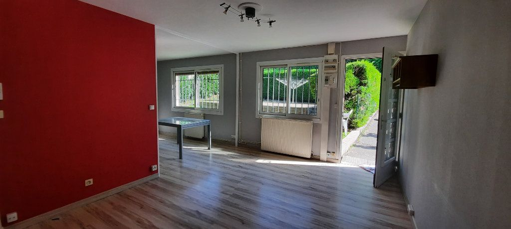 Appartement à louer 3 61.65m2 à Sainte-Foy-lès-Lyon vignette-3