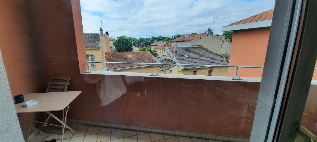 Appartement à louer 4 94.31m2 à Sainte-Foy-lès-Lyon vignette-3