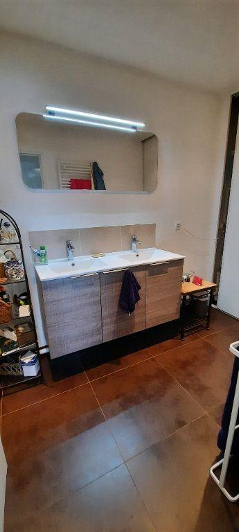 Appartement à louer 4 94.31m2 à Sainte-Foy-lès-Lyon vignette-4