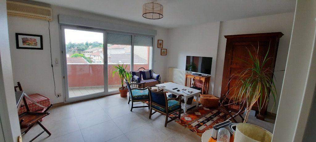 Appartement à louer 4 94.31m2 à Sainte-Foy-lès-Lyon vignette-5