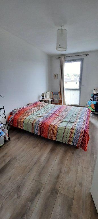 Appartement à louer 4 94.31m2 à Sainte-Foy-lès-Lyon vignette-6