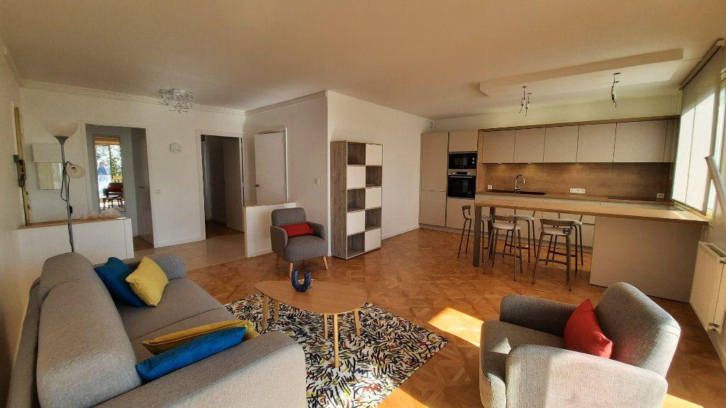 Appartement à louer 3 77.82m2 à Sainte-Foy-lès-Lyon vignette-2