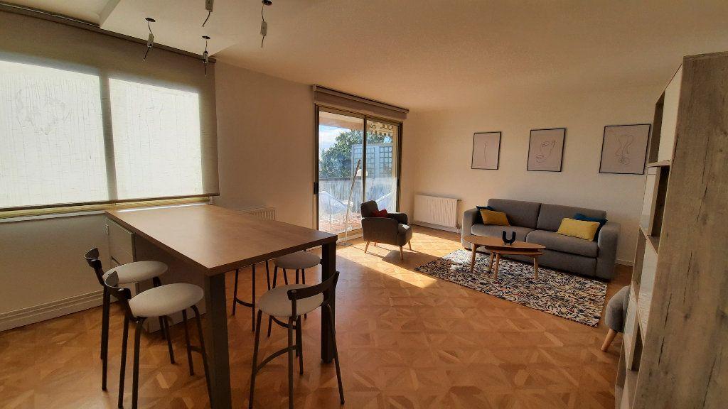 Appartement à louer 3 77.82m2 à Sainte-Foy-lès-Lyon vignette-5