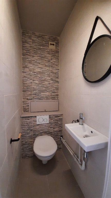 Appartement à louer 3 77.82m2 à Sainte-Foy-lès-Lyon vignette-9