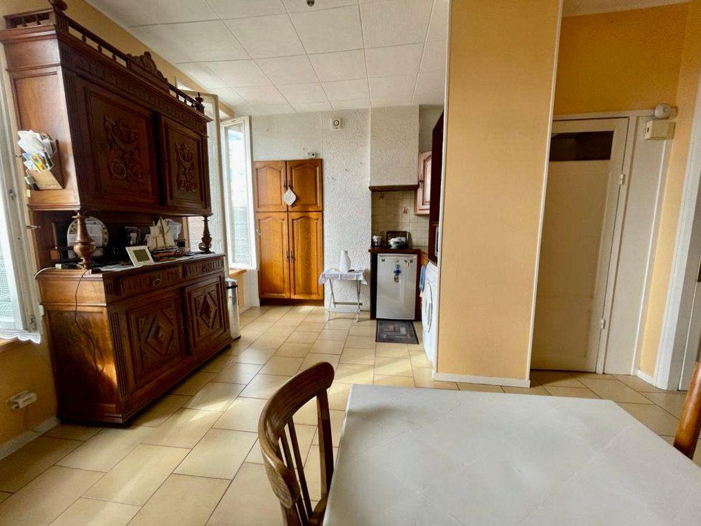 Appartement à vendre 2 41.66m2 à Lyon 3 vignette-2