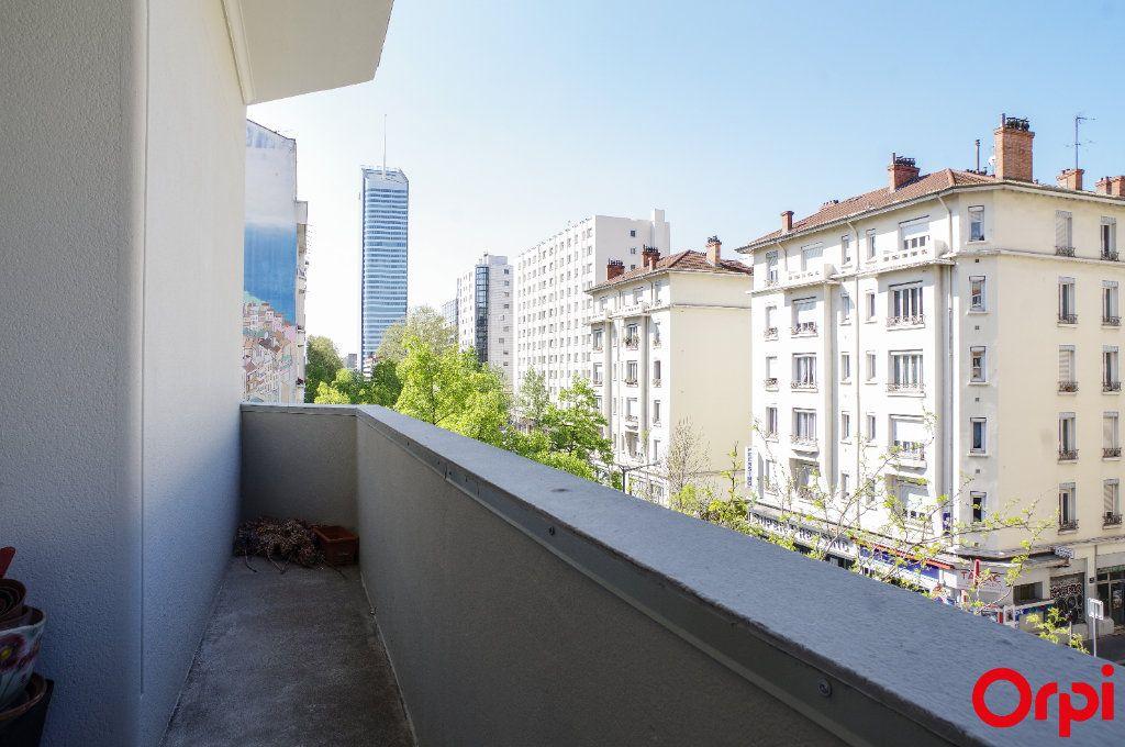 Appartement à vendre 4 128.29m2 à Lyon 6 vignette-8