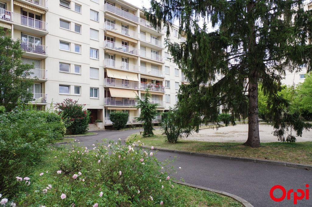 Appartement à vendre 3 68.69m2 à Oullins vignette-1
