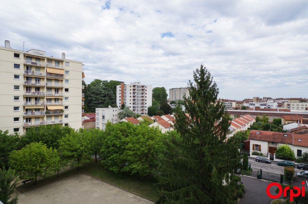 Appartement à vendre 3 68.69m2 à Oullins vignette-4