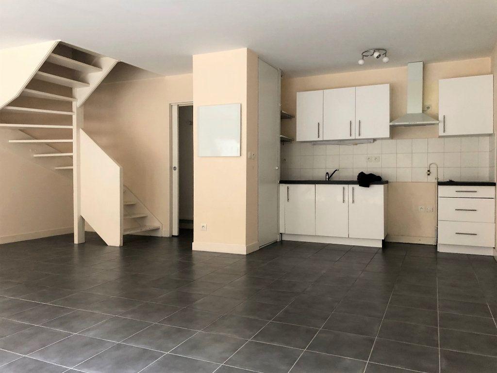 Appartement à vendre 3 75m2 à Bordeaux vignette-3