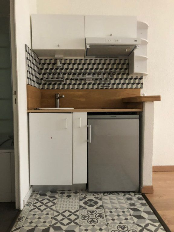 Appartement à louer 1 22m2 à Bordeaux vignette-2