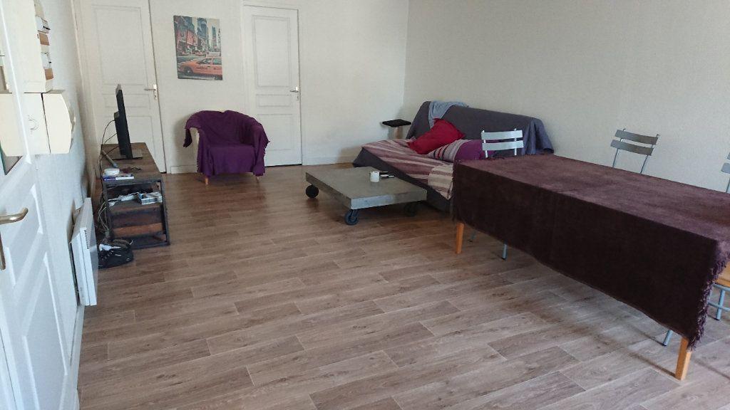 Appartement à louer 3 63m2 à Léognan vignette-1
