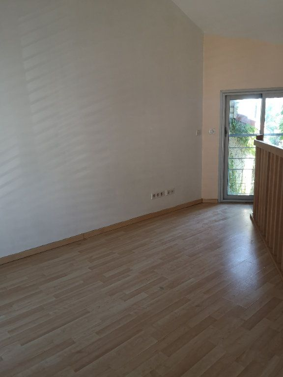Maison à louer 2 32m2 à Bordeaux vignette-1