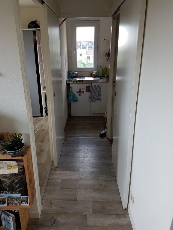 Appartement à louer 2 28.25m2 à Bordeaux vignette-3