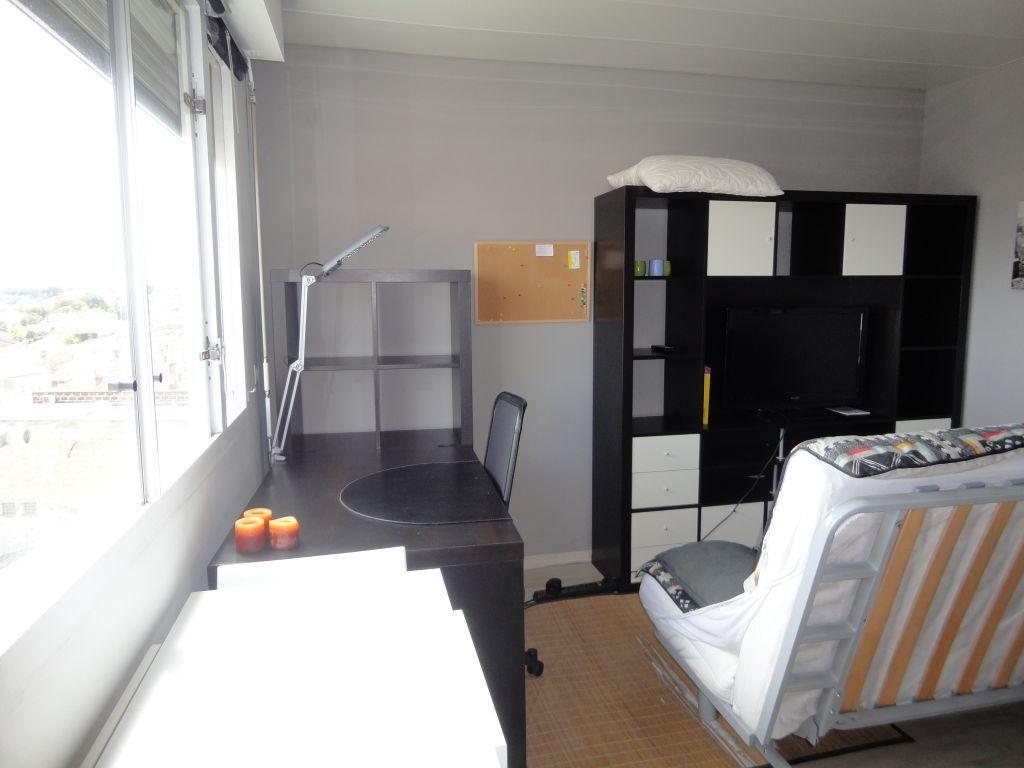 Appartement à louer 1 18.39m2 à Bordeaux vignette-2