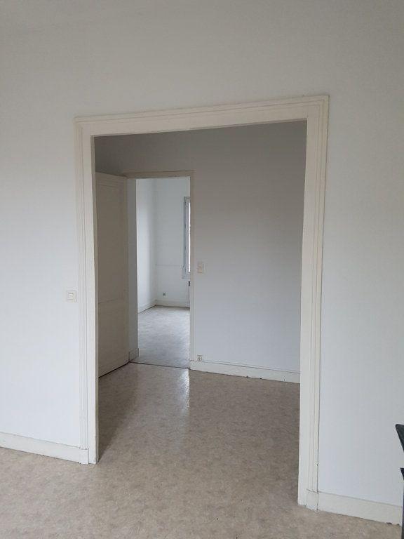 Appartement à louer 2 49.97m2 à Bordeaux vignette-3