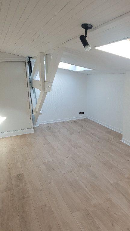 Appartement à louer 2 39.25m2 à Bordeaux vignette-1