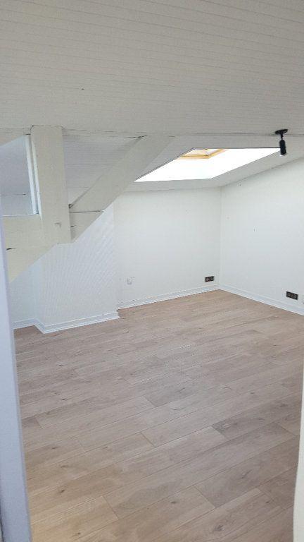 Appartement à louer 2 39.25m2 à Bordeaux vignette-2