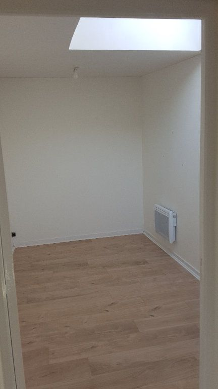 Appartement à louer 2 39.25m2 à Bordeaux vignette-3