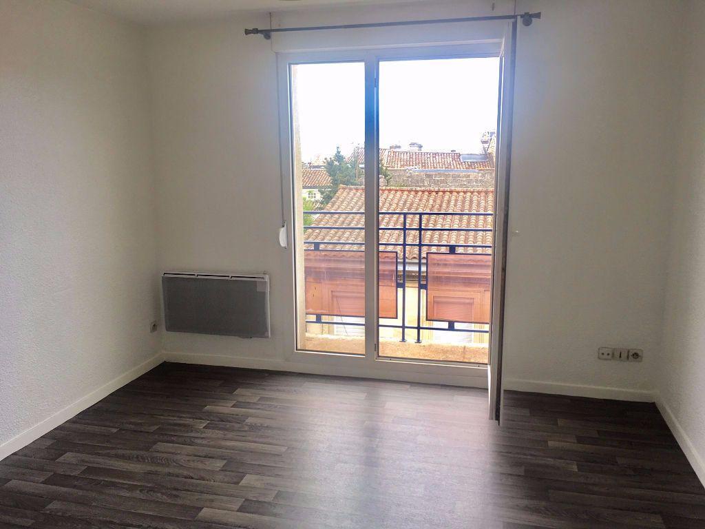 Appartement à louer 1 18m2 à Bordeaux vignette-2