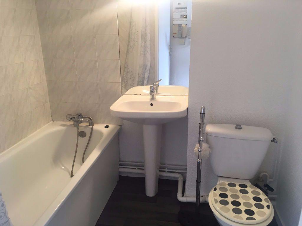 Appartement à louer 1 18m2 à Bordeaux vignette-3