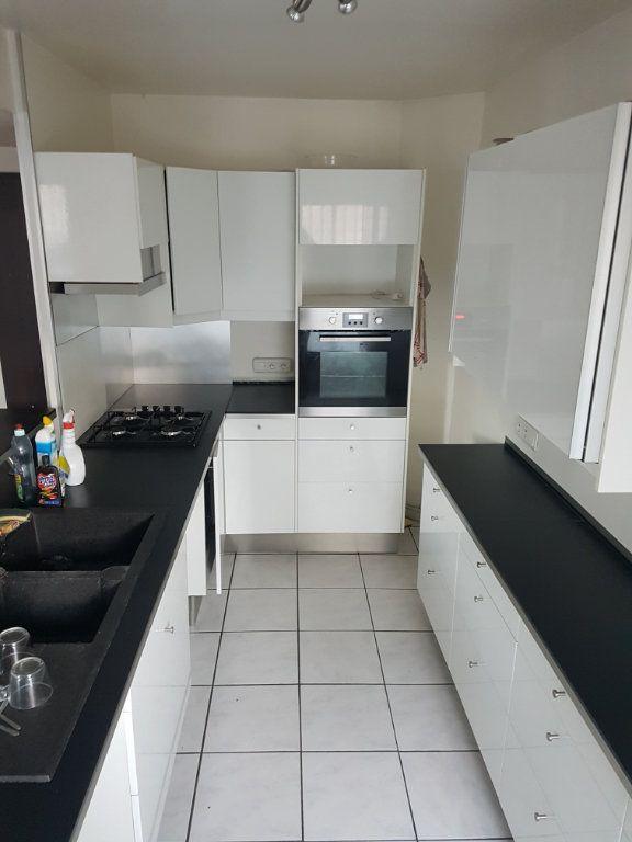 Appartement à louer 3 89m2 à Bordeaux vignette-1