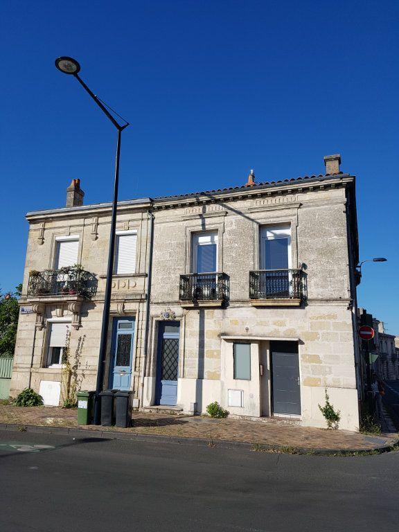 Appartement à louer 3 89m2 à Bordeaux vignette-9
