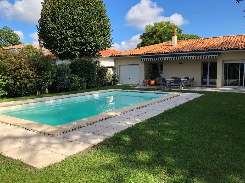 Maison à vendre 5 138m2 à Bordeaux vignette-1