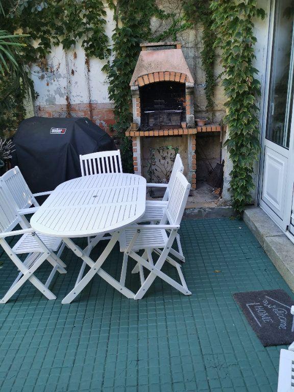 Maison à vendre 8 240m2 à Bordeaux vignette-4