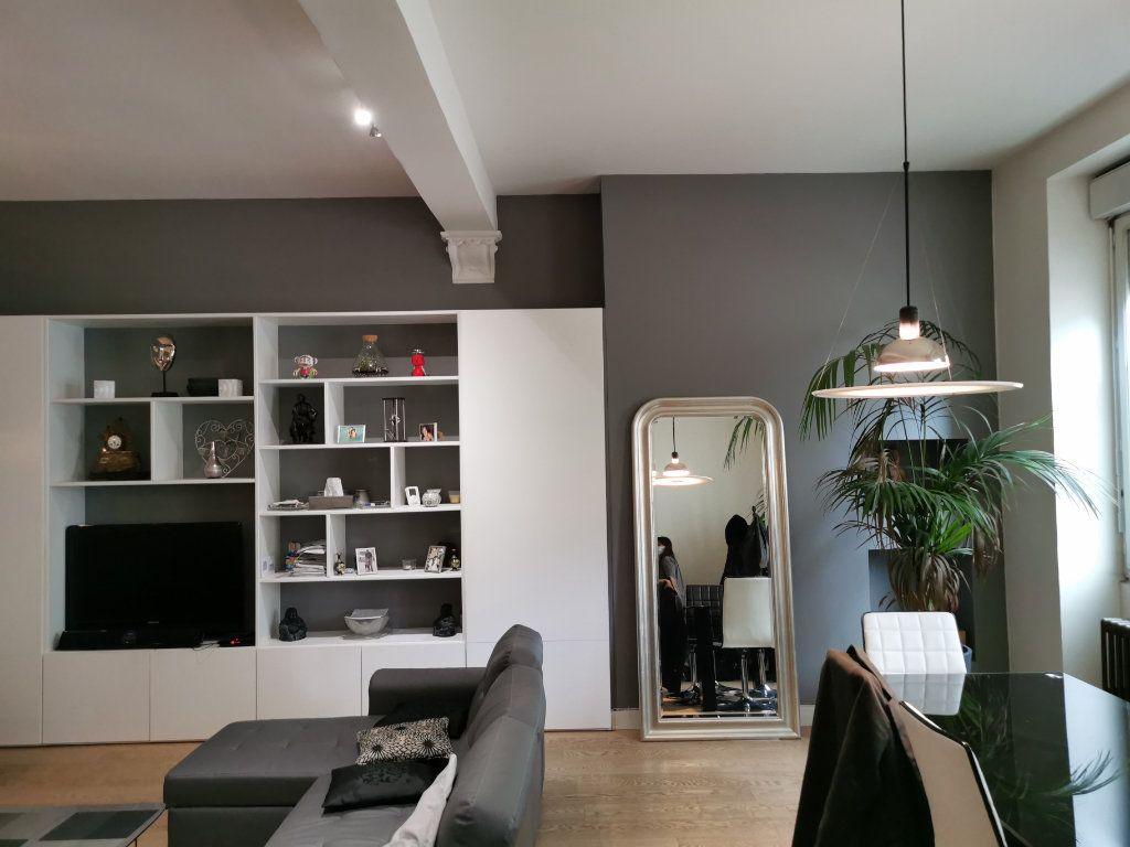 Maison à vendre 4 114.53m2 à Bordeaux vignette-1