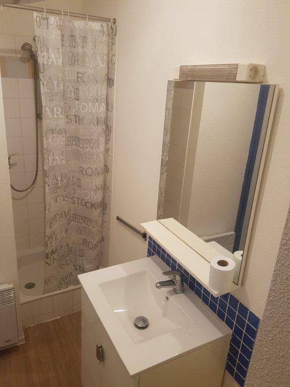 Appartement à louer 1 19.07m2 à Bordeaux vignette-4