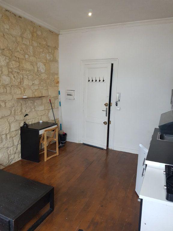 Appartement à louer 2 32.96m2 à Bordeaux vignette-3