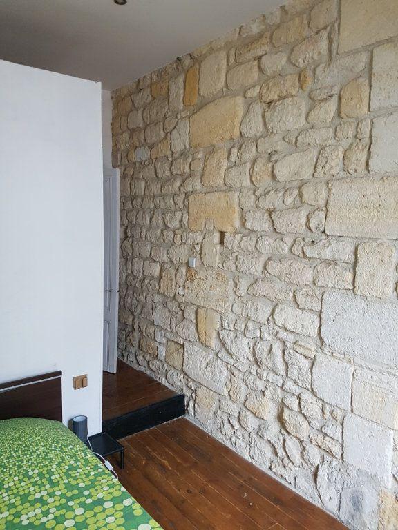 Appartement à louer 2 32.96m2 à Bordeaux vignette-6