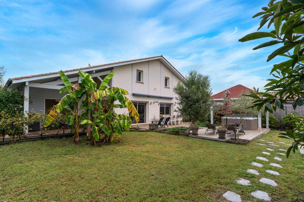 Maison à vendre 7 196m2 à Gujan-Mestras vignette-14