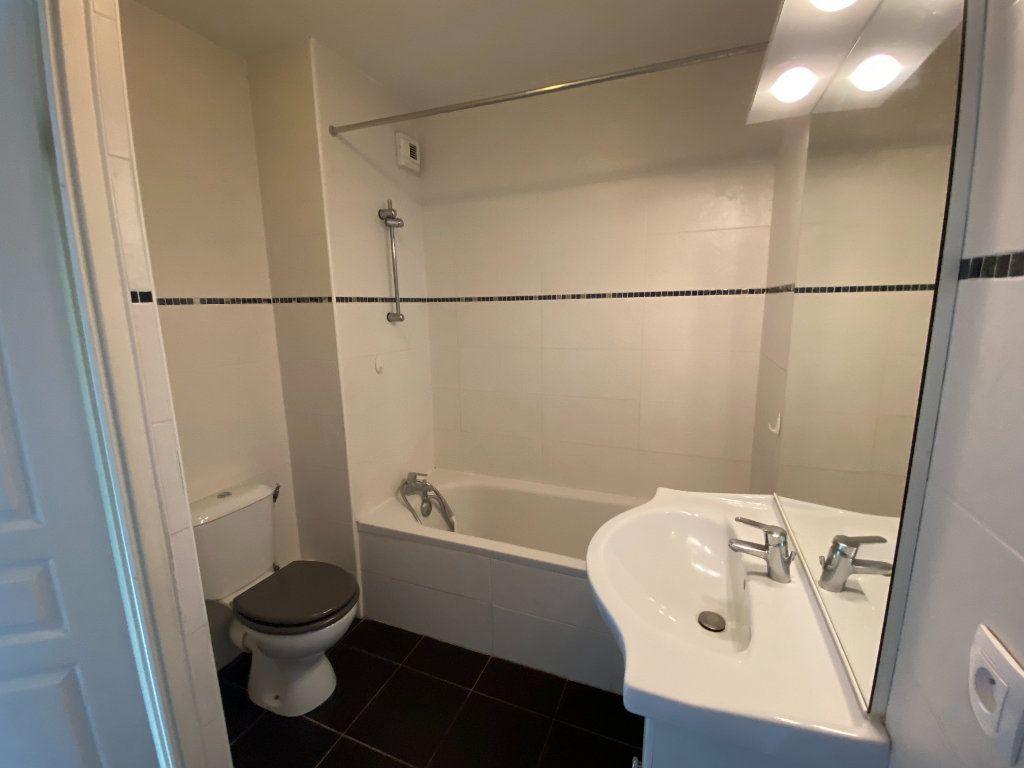 Appartement à louer 4 82m2 à Floirac vignette-4