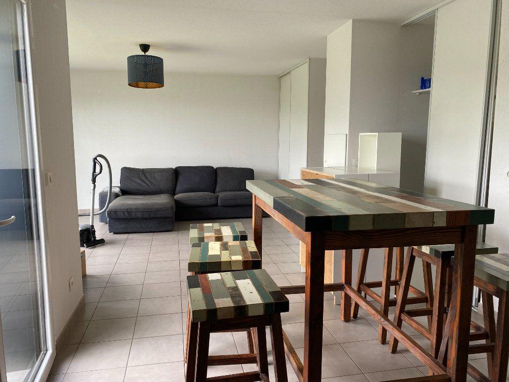 Appartement à louer 4 82m2 à Floirac vignette-5