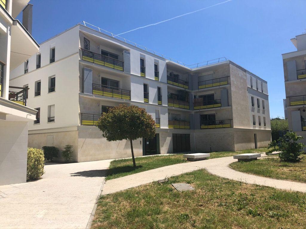 Appartement à vendre 3 72m2 à Bordeaux vignette-1