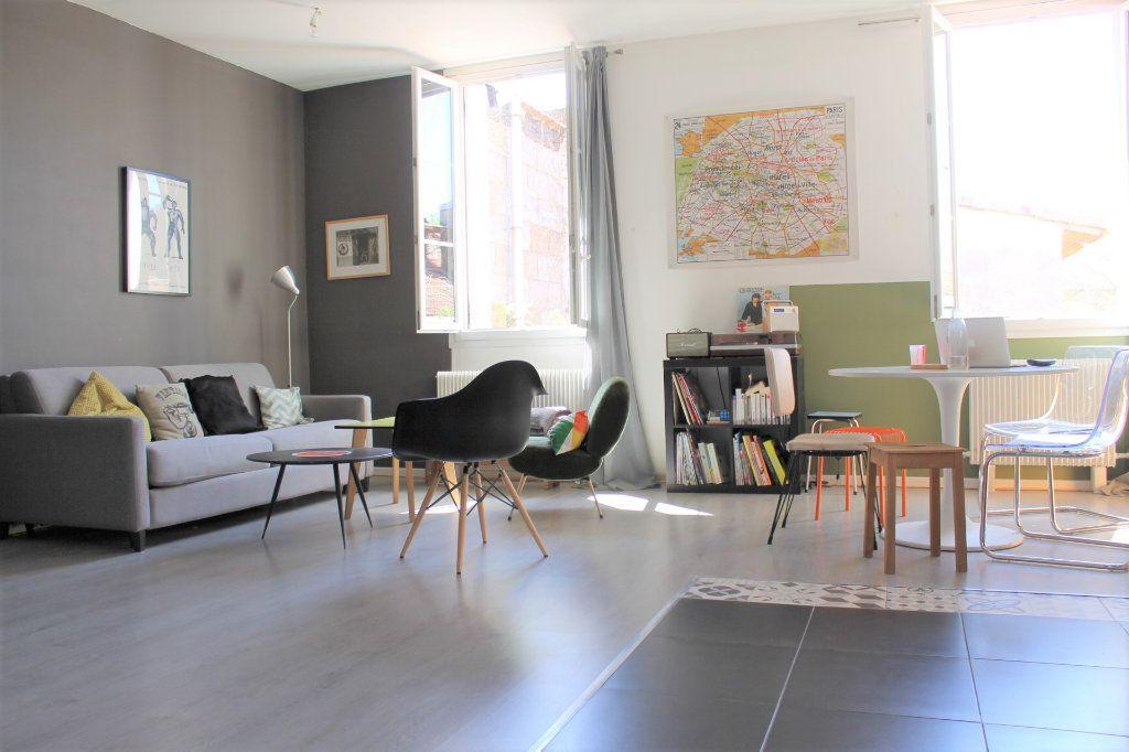 Appartement à vendre 4 78.58m2 à Bordeaux vignette-2