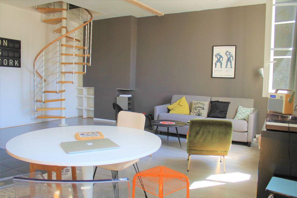 Appartement à vendre 4 78.58m2 à Bordeaux vignette-3