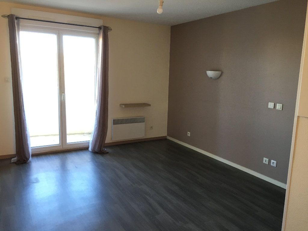 Appartement à louer 1 22m2 à Cenon vignette-1