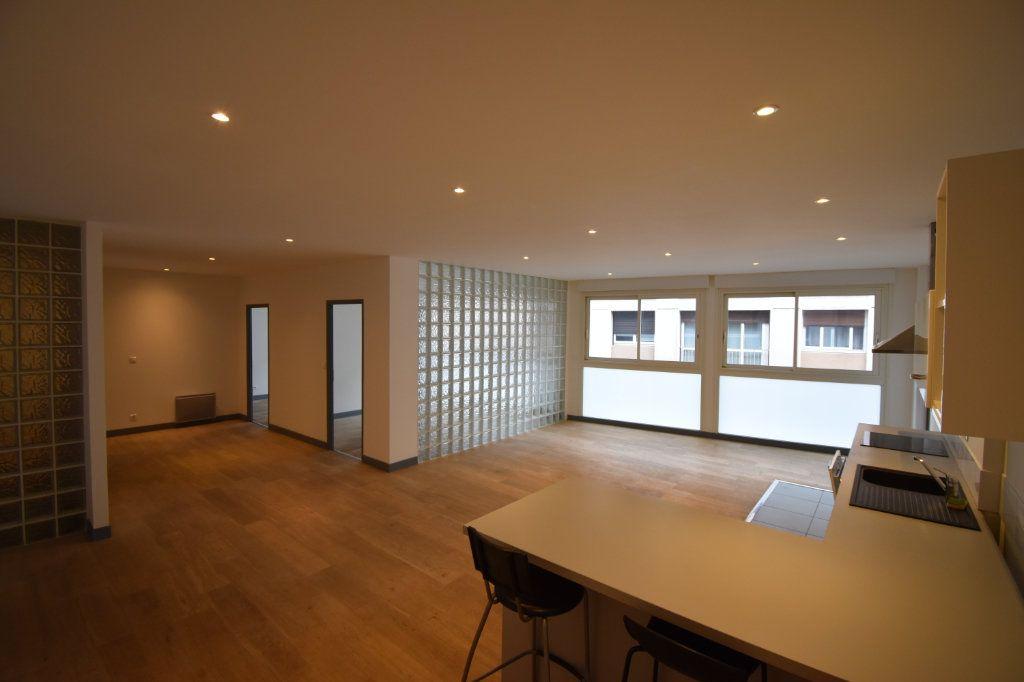 Appartement à vendre 4 104m2 à Toulouse vignette-2