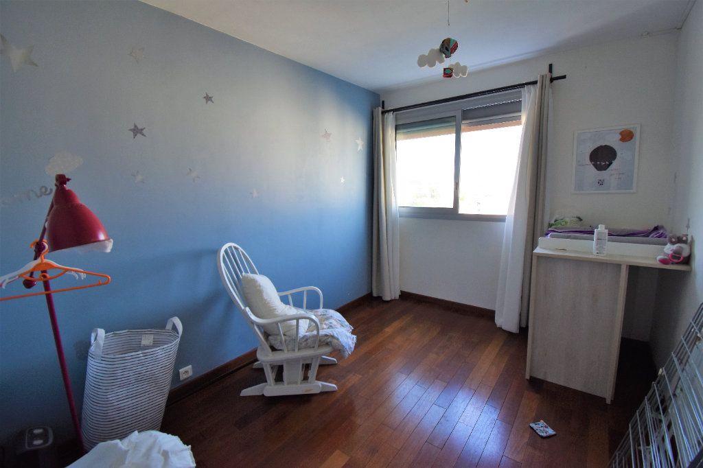 Appartement à vendre 4 70m2 à Toulouse vignette-3