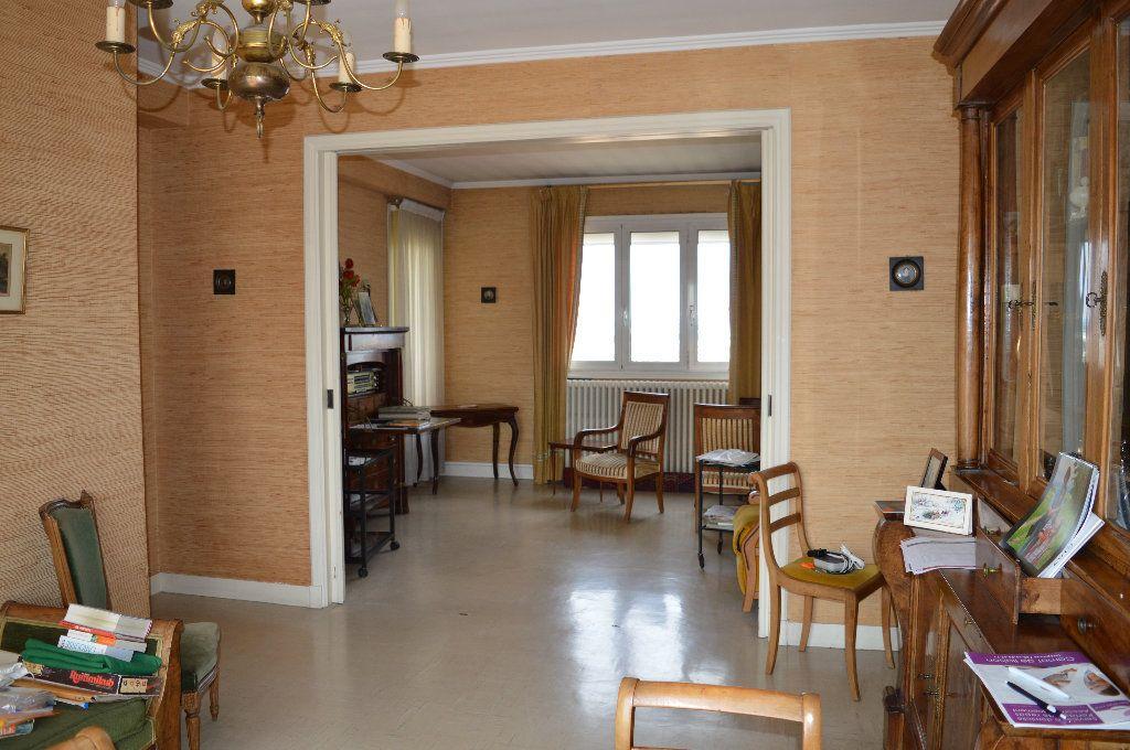 Appartement à vendre 5 109m2 à Toulouse vignette-2