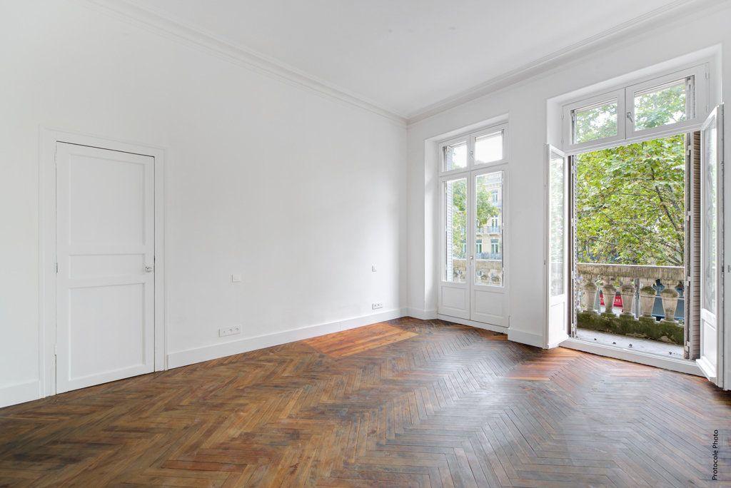 Appartement à vendre 3 135.63m2 à Toulouse vignette-2