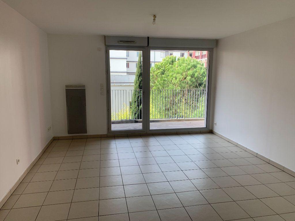 Appartement à vendre 3 61.67m2 à Toulouse vignette-3