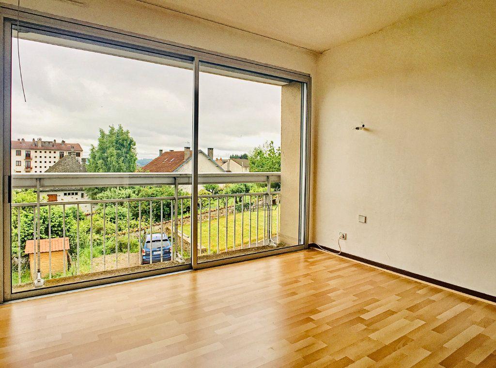 Appartement à louer 3 88.51m2 à Aurillac vignette-1