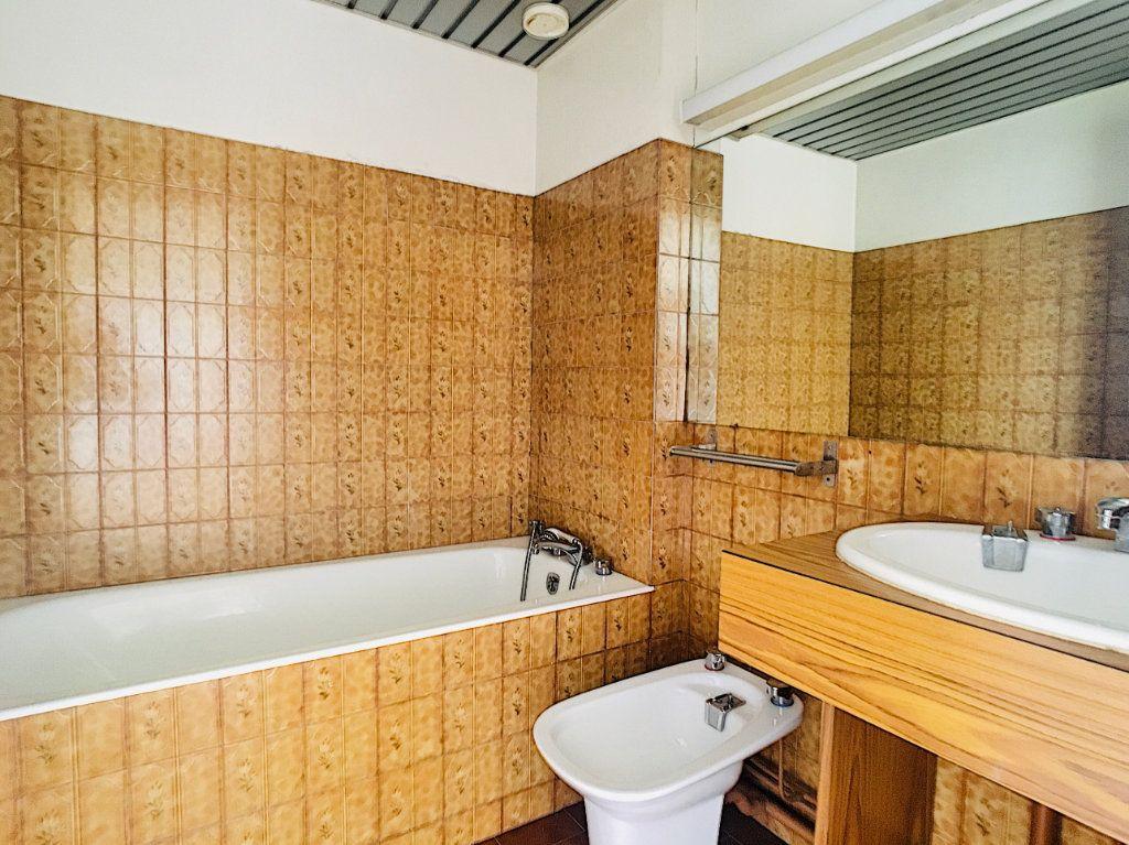 Appartement à louer 3 88.51m2 à Aurillac vignette-2