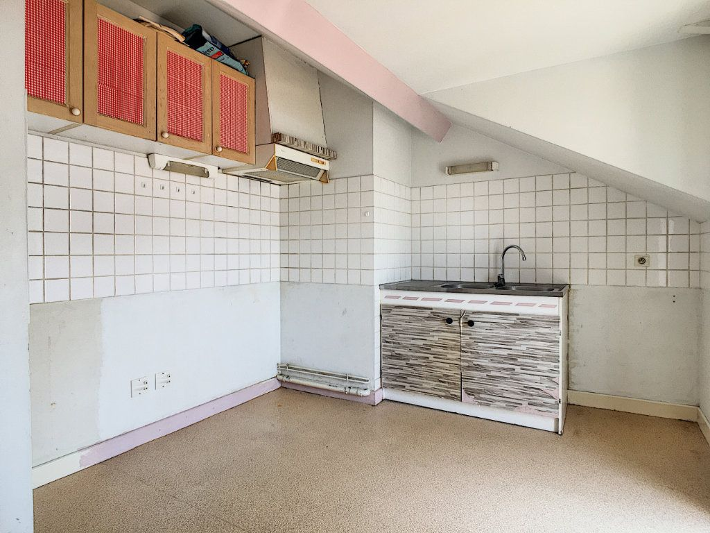 Appartement à louer 3 66.06m2 à Aurillac vignette-3