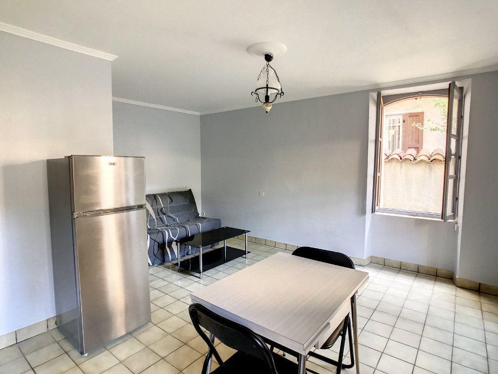 Appartement à louer 1 20.72m2 à Aurillac vignette-5