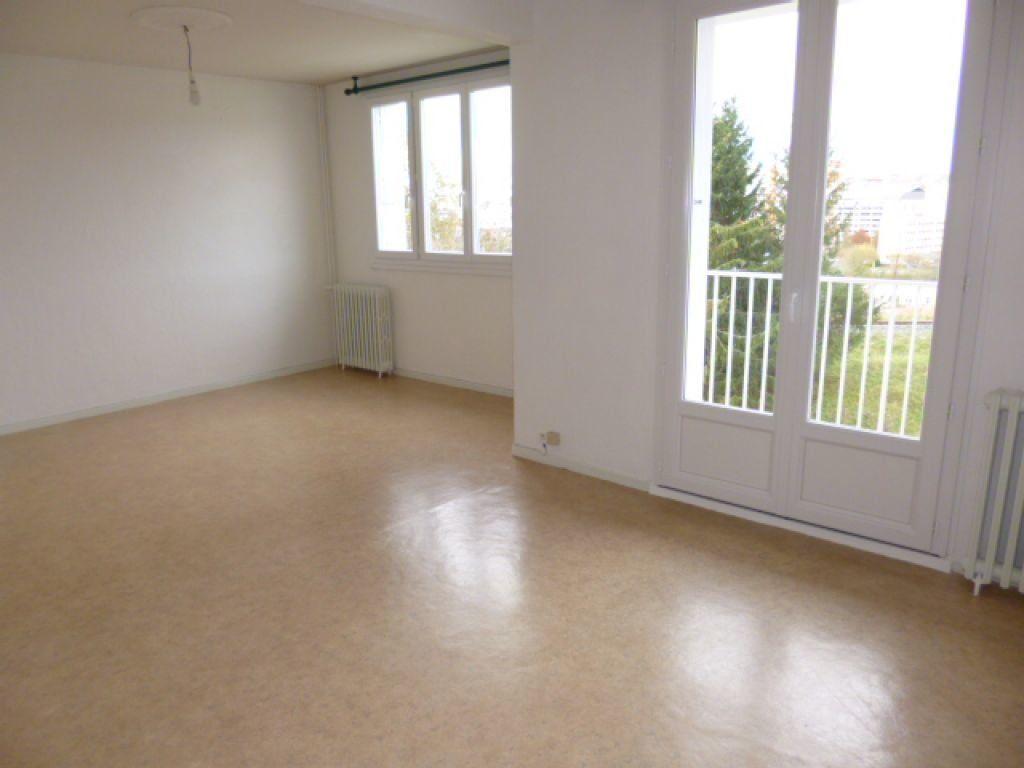 Appartement à louer 4 70.41m2 à Aurillac vignette-2